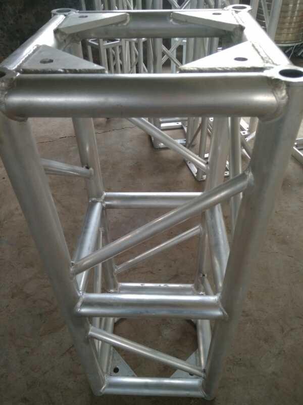 济宁专业生产舞台桁架各种规格的异形架 造型 背景