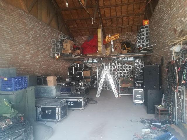 烟台灯光音响舞台桁架大屏,桌子椅子等物料租赁