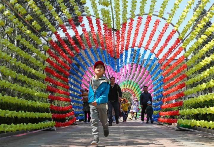 杭州七彩风车长廊
